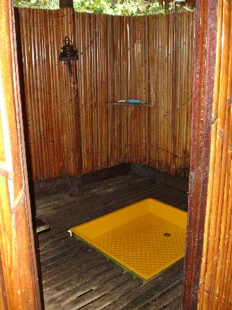 ExplorNapo Lodge: One of the showers