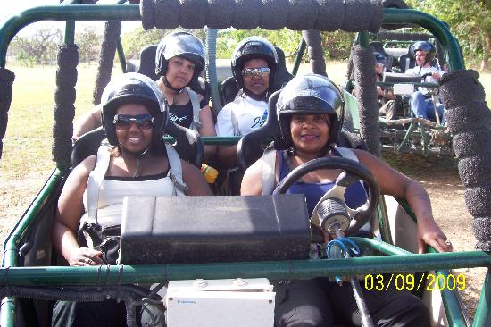 Beachview Apartments: beginning chukka buggy tour