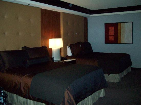 Ameristar Casino Resort Spa St. Charles: Ameristar room 2504 beds