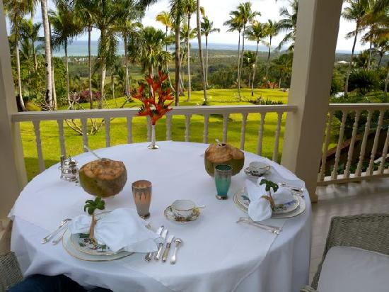 The Peninsula House: Breakfast with an AMAZING view