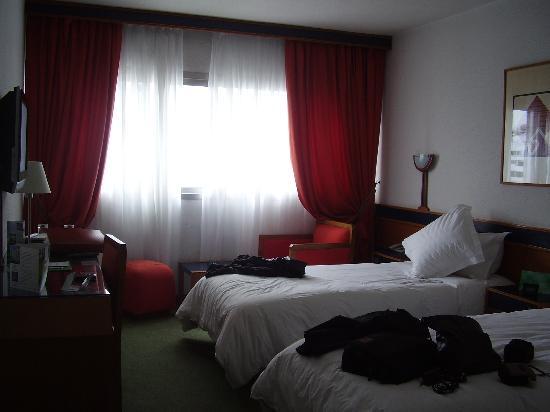Idou Anfa Hotel : amplia habitacion