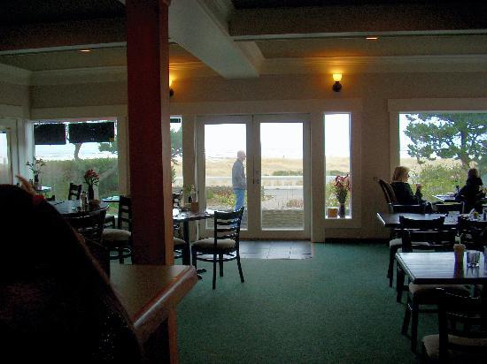 Seaside Oceanfront Inn: view from the bar/lobby
