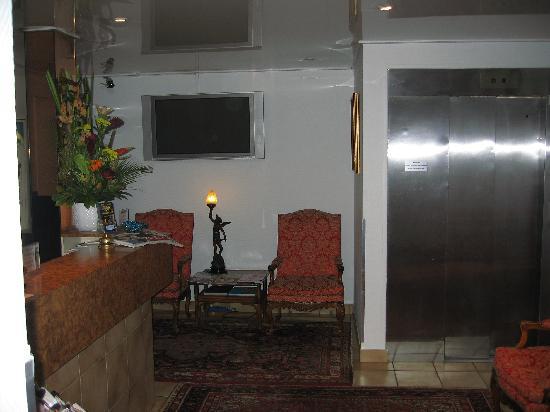 Agate Hotel: entrée