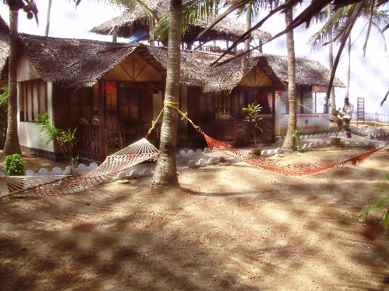 Bamboo Village: seafacing open space & Hammocks