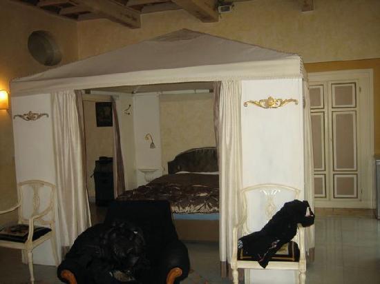 Residenza al Corso: the suite