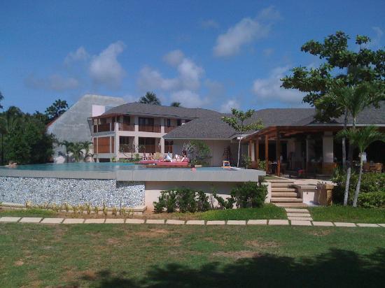 Amorita Resort: Front of the Resort