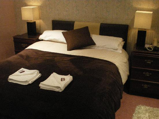 Claireville Hotel: Bedroom Picture