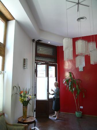 Mundo Bolivar : Entrance area is elegant and welcoming