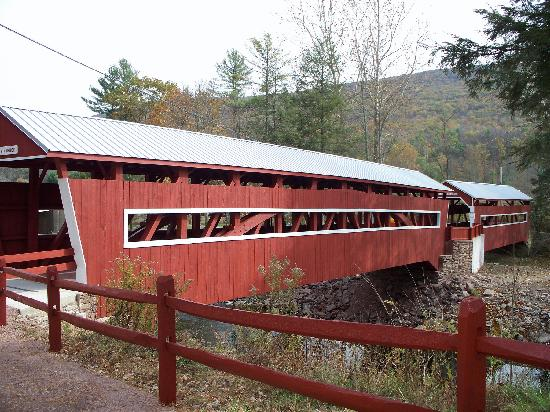 Bloomsburg, Пенсильвания: East and West Paden (The Twin Covered Bridges)