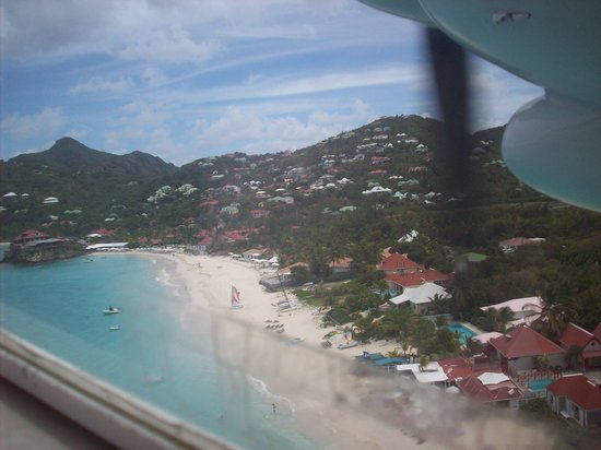St. Barthélemy: View of St. John's Beach in St. Barts from plane
