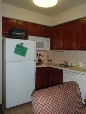Staybridge Suites Allentown Bethlehem Airport: Kitchen