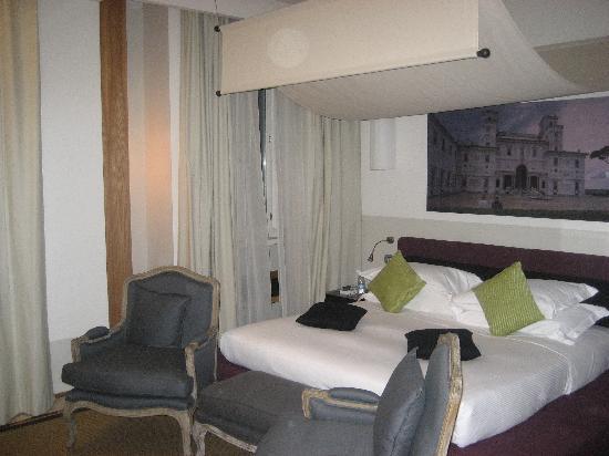 โรงแรมมาริโอ เดฟิโอริ37: Room