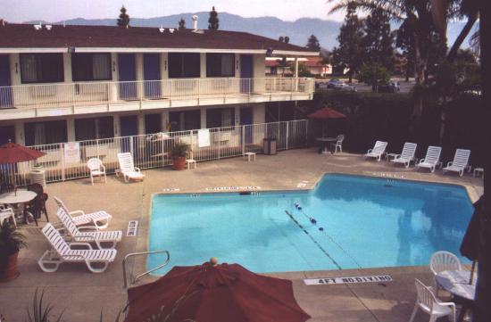 Motel 6 Santa Barbara - Goleta : Pool area