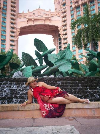 Atlantis, Beach Tower, Autograph Collection: Yo en la fuente de los peces voladores