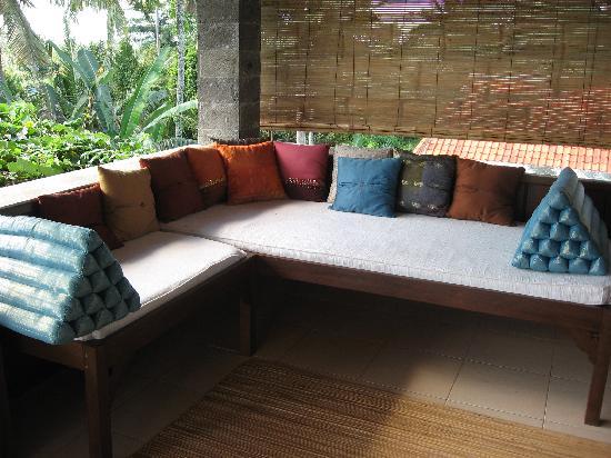 Alam Shanti: The veranda outside
