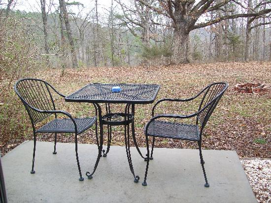 Cabins at Sugar Mountain: Patio Set & Fire Pit