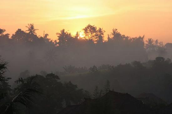 Santi Mandala: Incredible sunrise as seen from our room