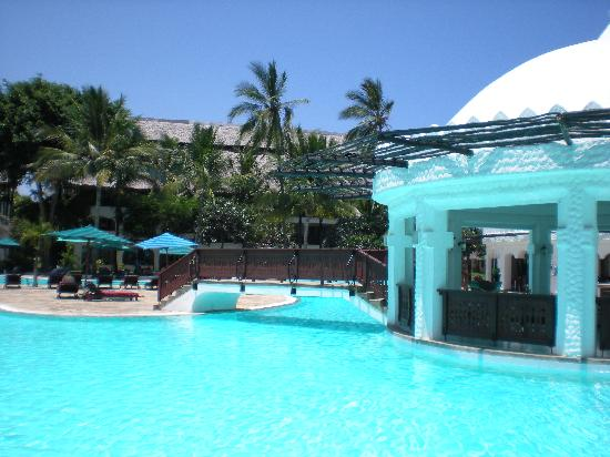Piscine de r ve picture of southern palms beach resort for Piscine de reve