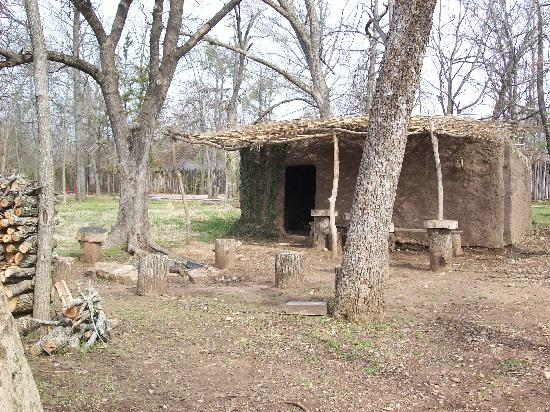Cherokee Heritage Center: Tsa La Ghi Village 3