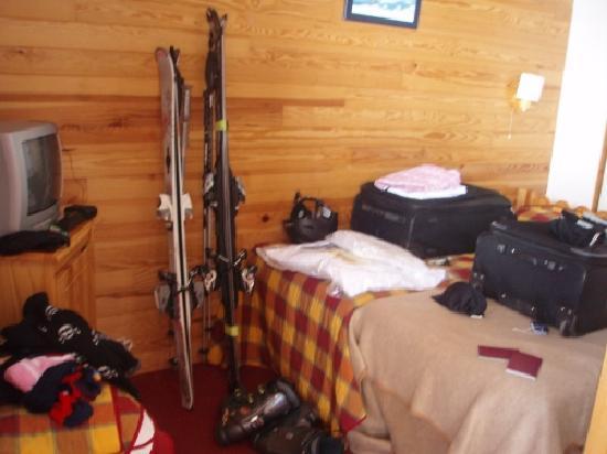 Residence l'Ecrin des Neiges: Bedroom 2 (two single beds)