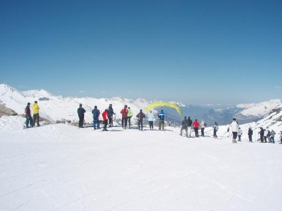 Residence Odalys L'Ecrin des Neiges: Parapenting
