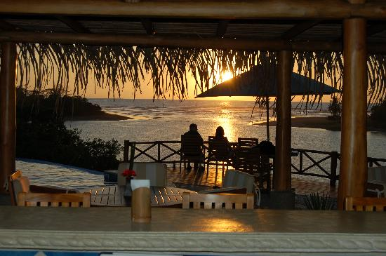 Casa Caletas: sunset through the bar