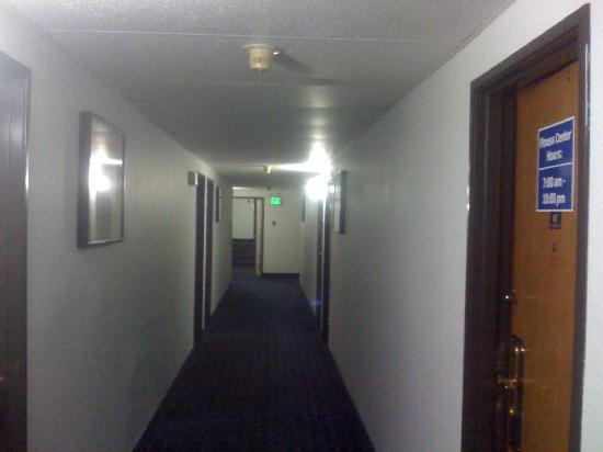 Howard Johnson Inn Fort Wayne - Coliseum : Motel_Lobby_Ground_Floor.jpg
