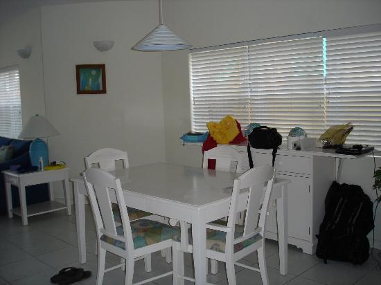 Coconut Bay Condo: dining room