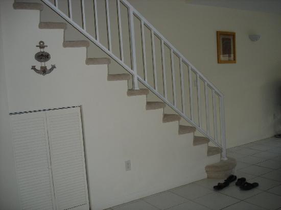Coconut Bay Condo: stairs