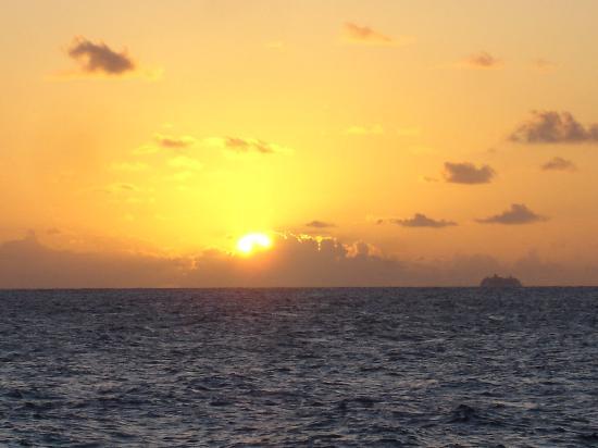 Coconut Bay Condo: Sunset from Coconut Bay