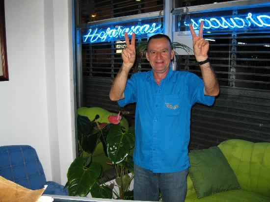 Hotel & Boutique Hojarascas: Jose makes sure you are taken care of.