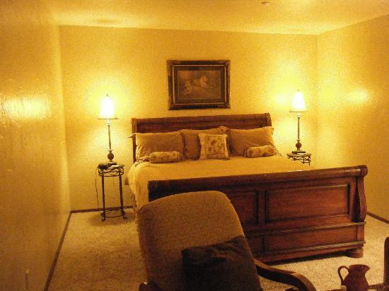 La Ville Inn: Bedroom