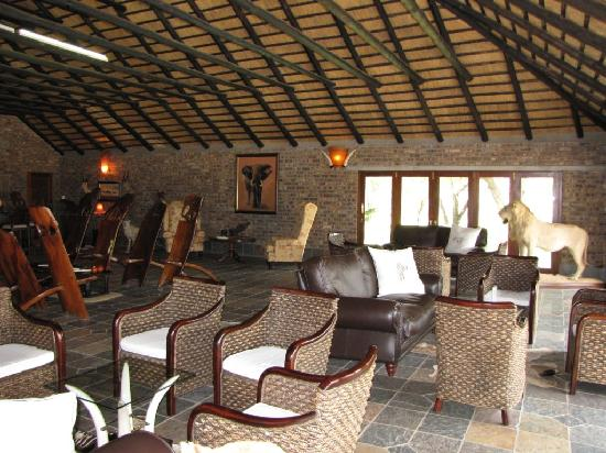 Elandela Private Game Reserve: nice living room