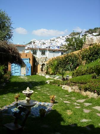 Dar Echchaouen: View from the room into the pretty gardens
