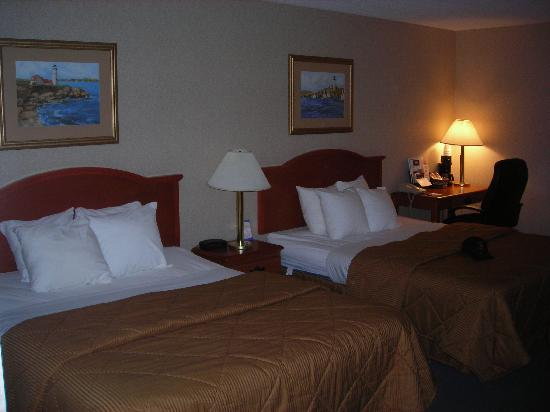 Comfort Inn: Double Queen Bedroom