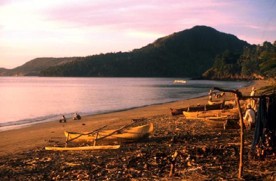 Mayotte: Un soir sur la plage de Sada