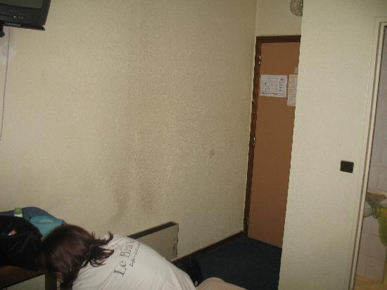 Neuf Hôtel Myrha : petit appercu de l'état
