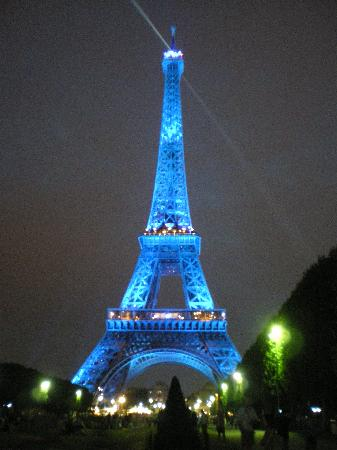 Eiffel Rive Gauche: torre eiffel by night