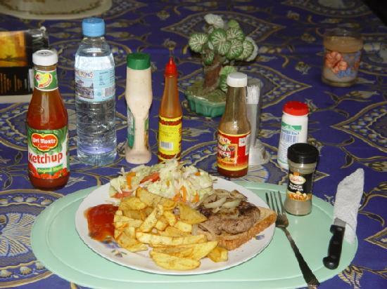 Frendz Resort Boracay : A Frendz breakfast.