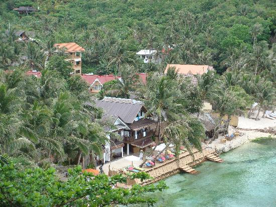 Artista Beach Villas: A view from the cliffs just above Artista