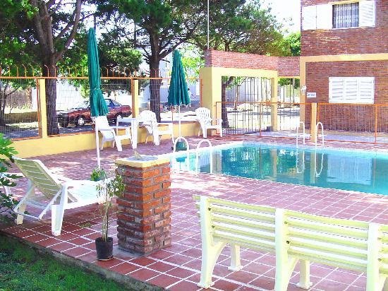 Puerta de Hierro: The charming pool