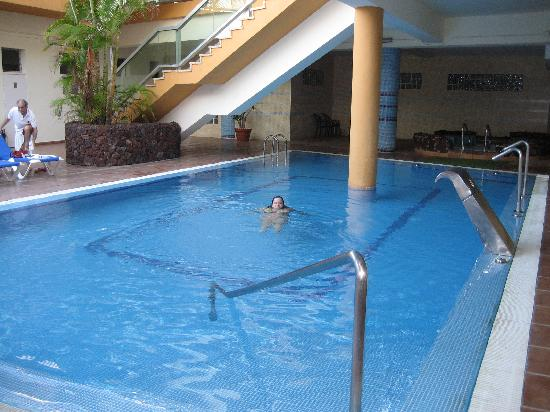 25688a486bb5d Hotel Best Semiramis  piscina climatizada