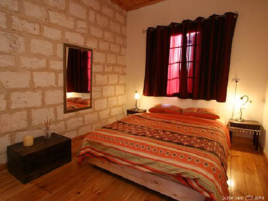 Fauzi Azar Inn by Abraham Hostels: double room