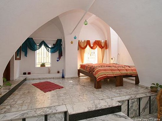 Fauzi Azar Inn by Abraham Hostels: double room