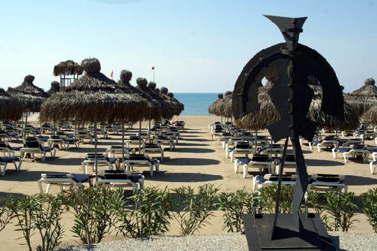 Voyage Belek Golf & Spa: beach area