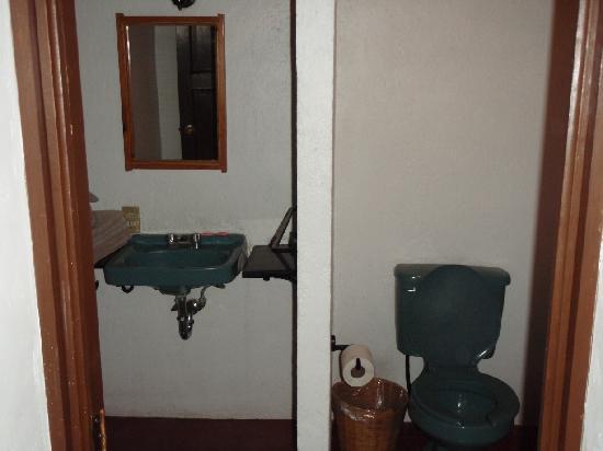 Las Golondrinas: El baño