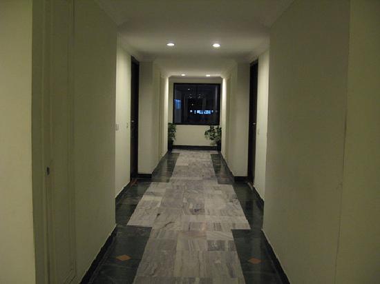Hotel Park Plaza: Corridor