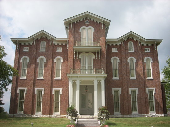 Richmond, KY: White Hall