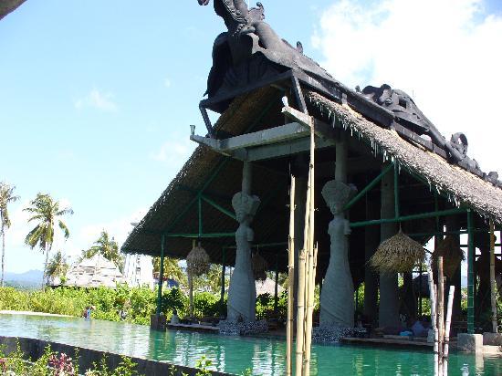 Hotel Tugu Lombok: main dining room overlooking pool