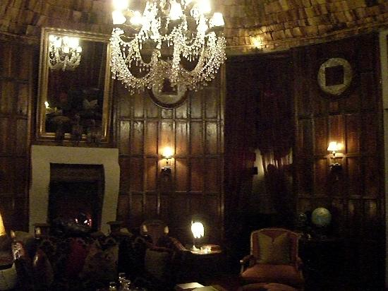 andBeyond Ngorongoro Crater Lodge: le salon